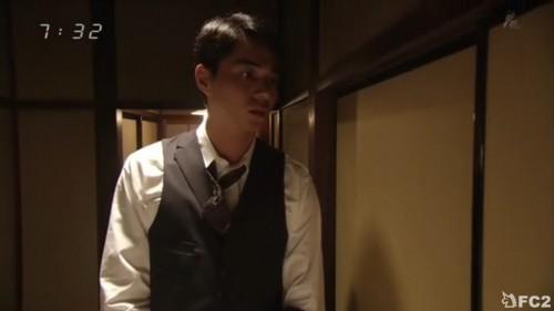 悠太郎聞き耳たてる